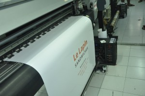 ตัวอย่างงามพิมพ์ PVC Sticker Outdoor ด้วยเครื่อง Mimaki jv33-160