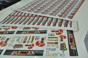 พิมพ์ ฉลากสินค้าด้วยเครื่อง Digital Offset วัสดุ PP Sticker เงา ไดคัทด้วยเครื่อง Mimaki ไดคัท CG-60SR III