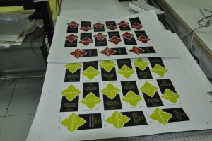 พิมพ์ ด้วยเครื่อง Digital Offset วัสดุ PP Sticker เงา ไดคัทด้วยเครื่อง Mimaki ไดคัท CG-60SR III